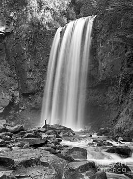 Hopetoun Falls  by Sergey Korotkov