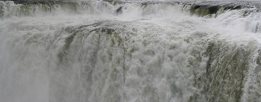 Iguazu close up by Andrei Fried