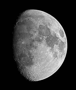 Impressive moon by Andre Van der Hoeven