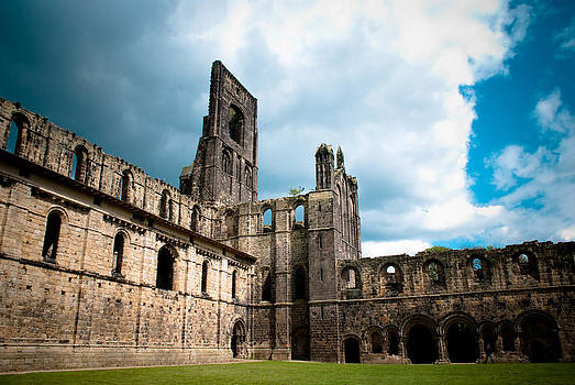Kirkstall Abbey by Andy Comber