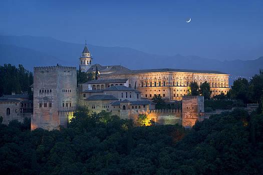 La Alhambra at night by Bryan Allen