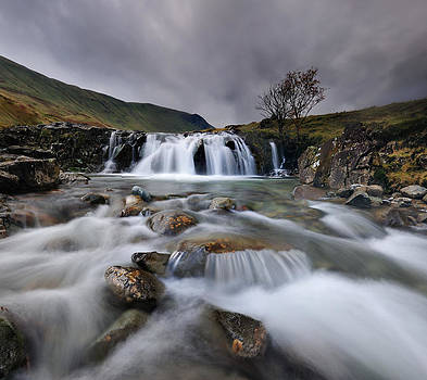 Langstrath Flow by Stewart Smith