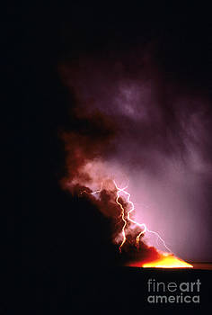 David R Frazier and Photo Researchers - Lightning Starts a Fire