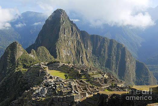 Machu Picchu by Tomaz Kunst