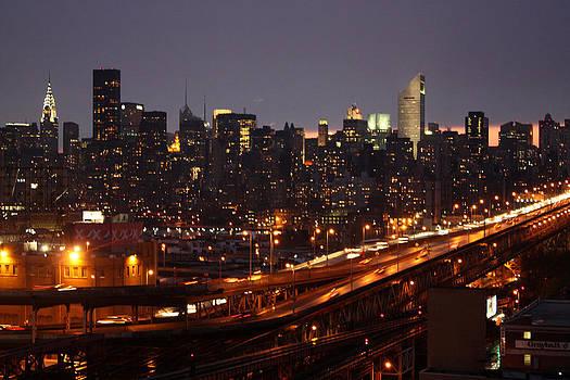 Manhattan- 2 by Mark Ashkenazi