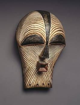 Mask by Ngwanyam Adolf Loraterr