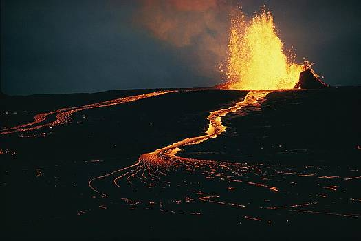 Mauna Ulu Erupting In The Kilauea by Robert Madden