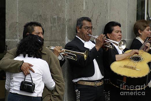 John  Mitchell - MEXICO CITY MARIAHIS