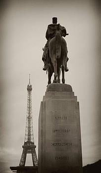 TONY GRIDER - Monument in Eiffel