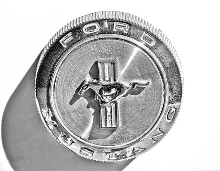TONY GRIDER - Mustang Gas Cap Black and White