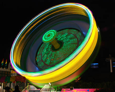 Sonja Quintero - Neon Tilt A Whirl