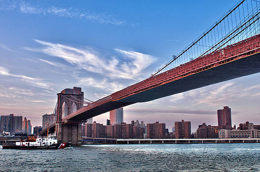 New York City Skyline and Manhattan Bridge by Lucas Tatagiba