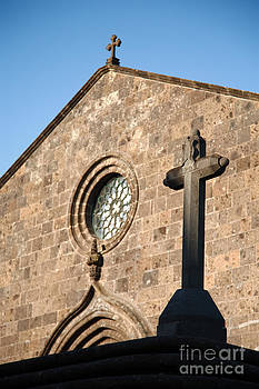 Gaspar Avila - Old church