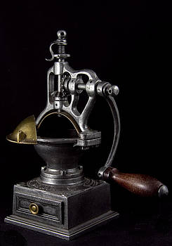 Old Coffee Machine by Zafer GUDER