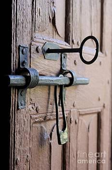 BERNARD JAUBERT - Old door of wood with its worn lock