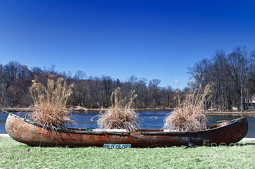 Old Glory retired canoe. by Robert Wirth
