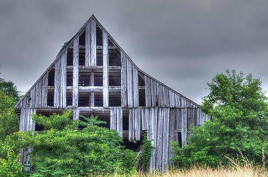 Olde Tobacco Barn Calvert County Maryland by Gordon H Rohrbaugh Jr