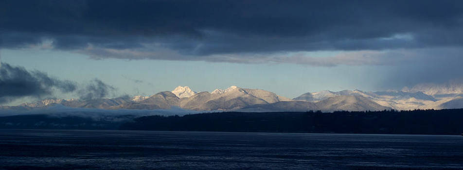 Olympic Mountains by Wendy Emel