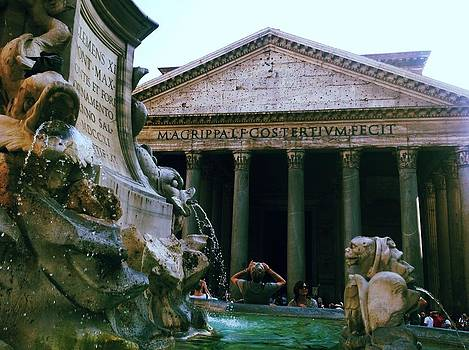 Pantheon Fountain by Shelley Smith