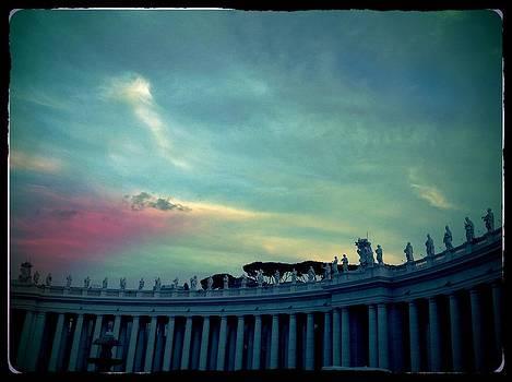 Piazza San Pietro by Shelley Smith