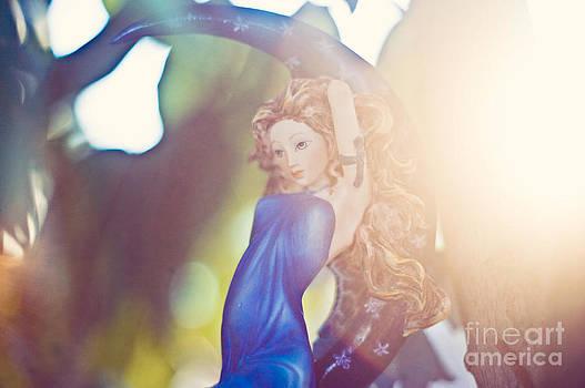 Rays of the sun by Angelina Cornidez