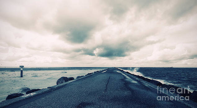 LHJB Photography - Road to nowhere