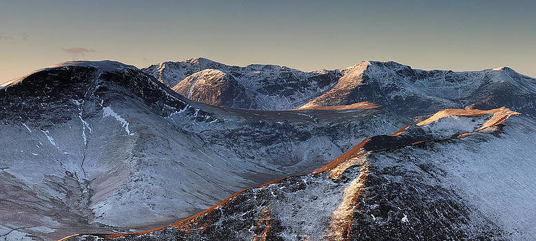 Robinson and the Buttermere Fells in winter by Stewart Smith