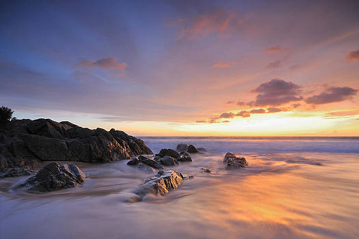Seascape At Sunset by Teerapat Pattanasoponpong