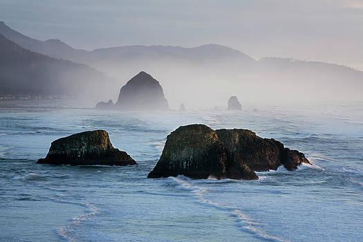 Charmian Vistaunet - Seastacks in the Mist