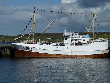 SF-5-NV visiting Shetland by George Leask
