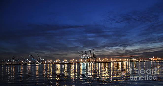 Shipping dock by Darwin Lopez