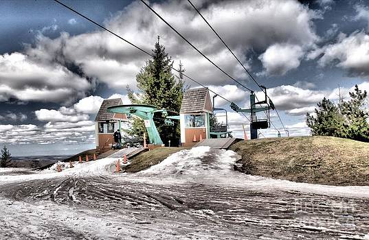 Adam Jewell - Spring Mud Skiing
