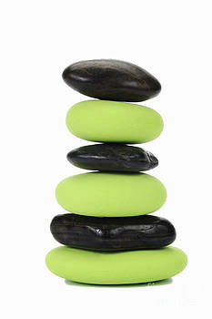 Sami Sarkis - Stack of green and black pebbles by alternance