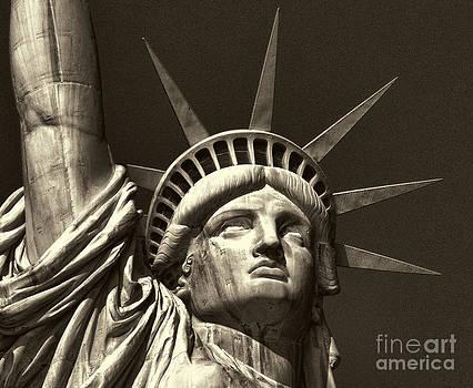 Chuck Kuhn - Statue of Liberty VI