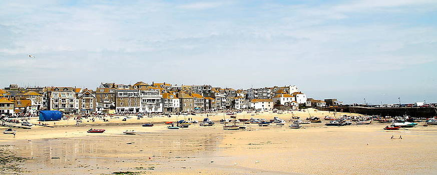 St.Ives Bay.Cornwall by Karen Grist
