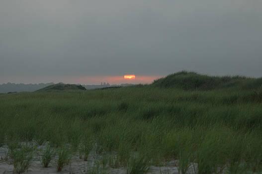 Sunset at Horseneck beach by Rafael Figueroa