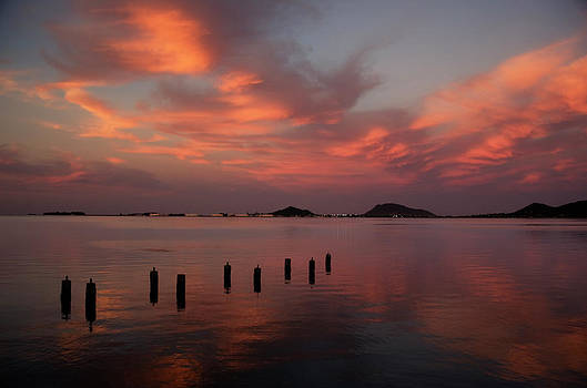 Charmian Vistaunet - Sunset over Kaneohe Bay