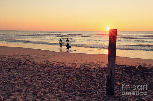 LHJB Photography - Surf girls at sunset