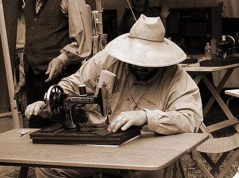 PRISTINE CARTERA TURKUS - TAILOR using Frister and Rossmann Sewing Machine