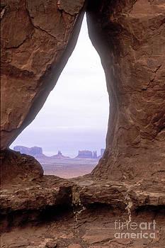 Sandra Bronstein - Teardrop Arch-Monument Valley