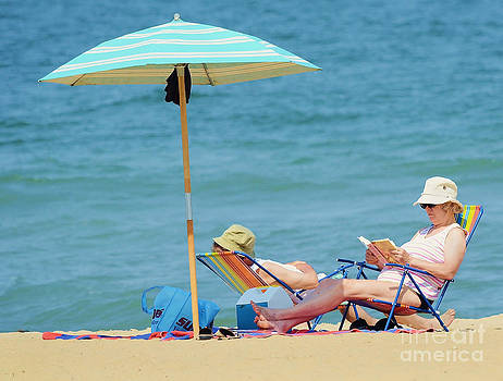 The Life of Retirees by Shirley  Taylor