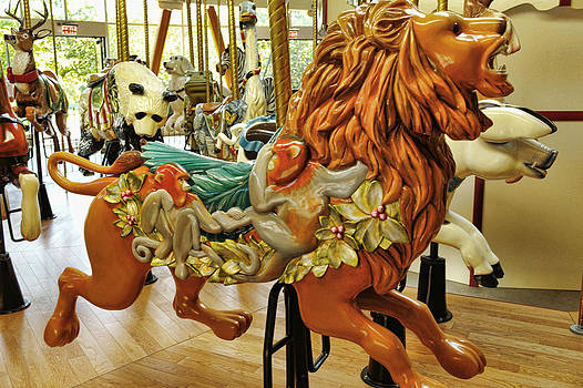 LAWRENCE CHRISTOPHER - THE LION BUTCHART GARDENS