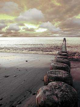 The Sea by Florin Birjoveanu