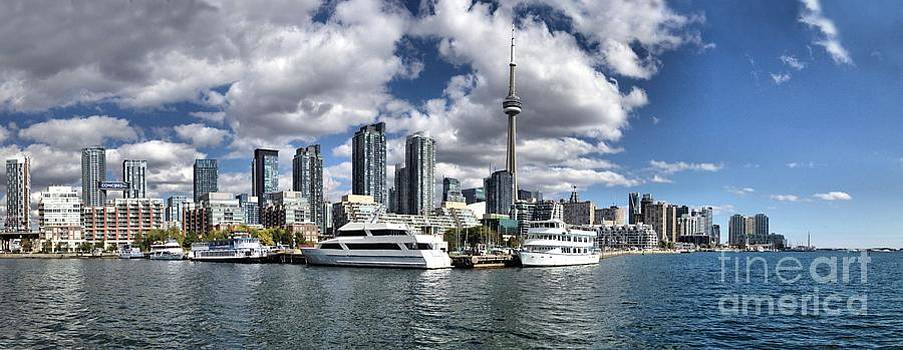 Andrea Kollo - Toronto Skyline