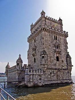 Torre de Belen by Luis oscar Sanchez