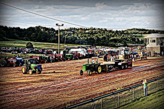 Tractor Pull by Swift Family