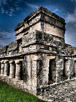 Skip Hunt - Tulum Ruinas 1