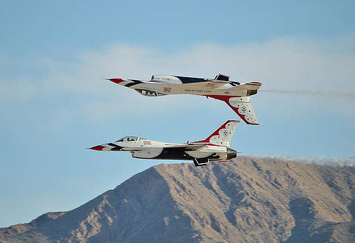 U.S. Air Force Thunderbirds - Las Vegas by Eleu  Tabares