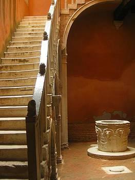 Venice Courtyard by Betsy Moran