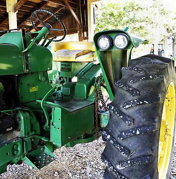 Marilyn Hunt - Vintage John Deere tractor
